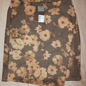 Floral skirt nwt smashed lemon